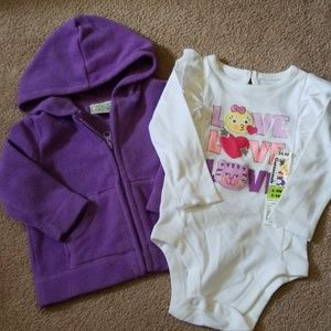 Lot of 2 baby girl size 6-9 month long sleeve